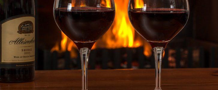 Che cosa succede con un bicchiere di vino a cena?