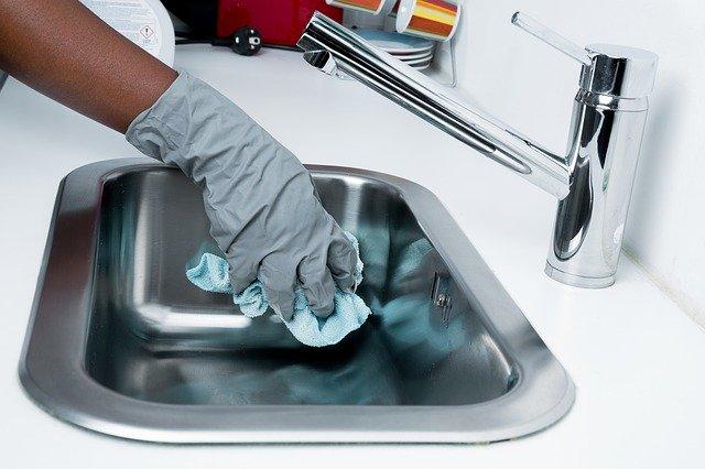 Come igienizzare al meglio le superfici di casa